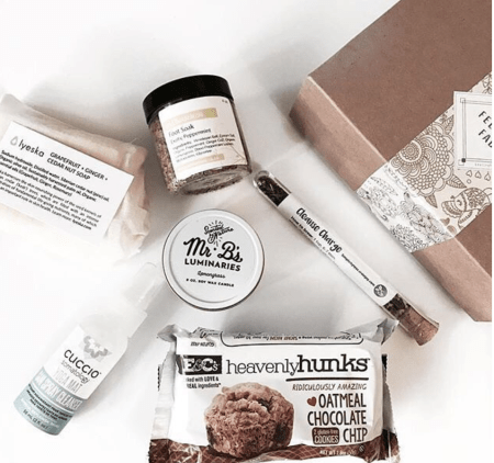 Feeling Fab subscription box sale promocode - best subscription boxes - beauty box subscriptions - mom subscription box - subscription boxes for moms - unboxing subscription box review | beautyisgf123.com