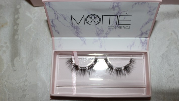 Moitié Cosmetics Launches 10-Day DIY Lash Extension Kit