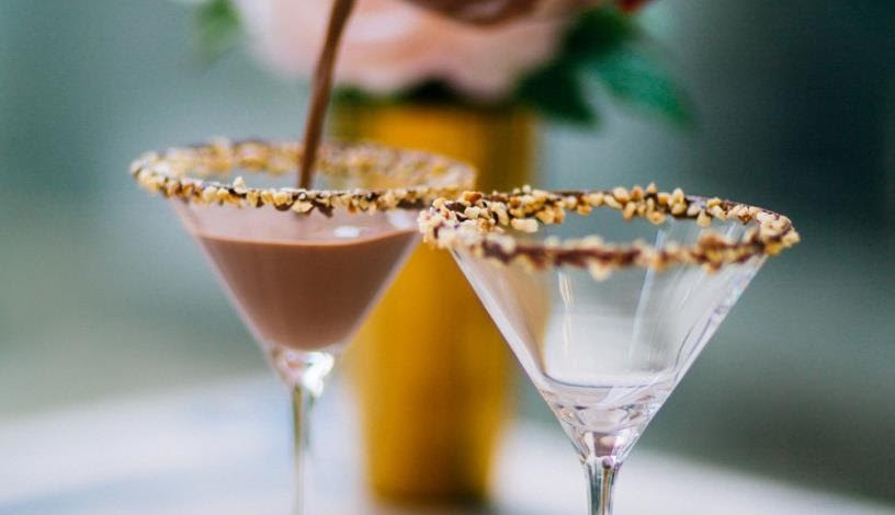 Five Romantic Cocktail Recipes to Get Sparks Flying This Valentines
