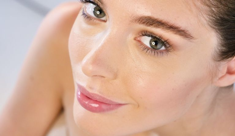 Natural beauty makeup in just five minutes