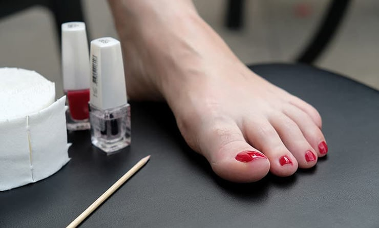 Easy ways to care for beautiful feet in Summer