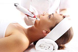 Gesichtsbehandlung Microneedling Beautymanufactur