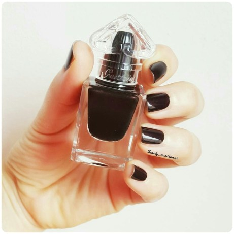 Black Perfecto n° 7 Le Vernis Délicieusement Brillant