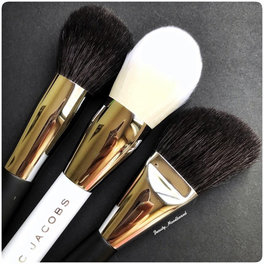 Pinceaux pour le teint marques de luxe maquillage Chanel en comparaison the bronze blanc Marc Jacobs