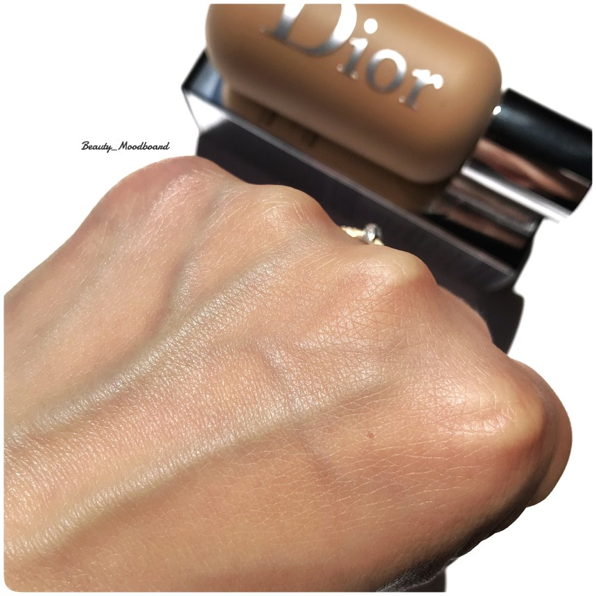 Swatch fond de teint Dior Backstage Face & Body Foundation teinte 3WO