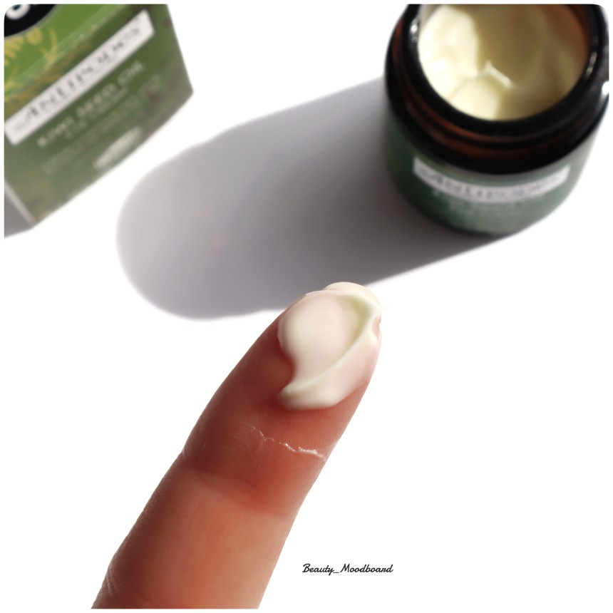 Swatch Kiwi Seed Oil Eye Cream