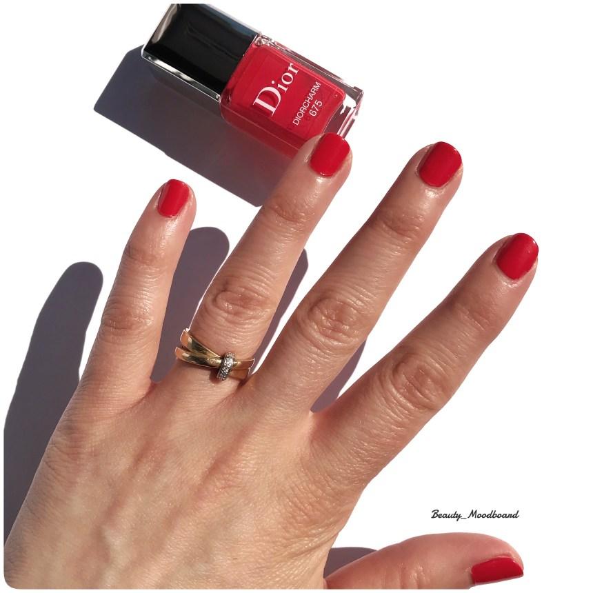 Swtach Diorcharm 675 rouge corail pétillant