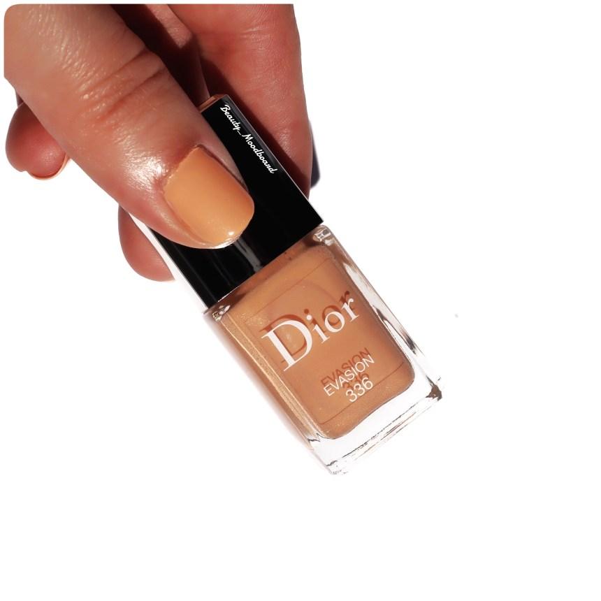 Manucure ongles brillance et tenue gel pastel abricot
