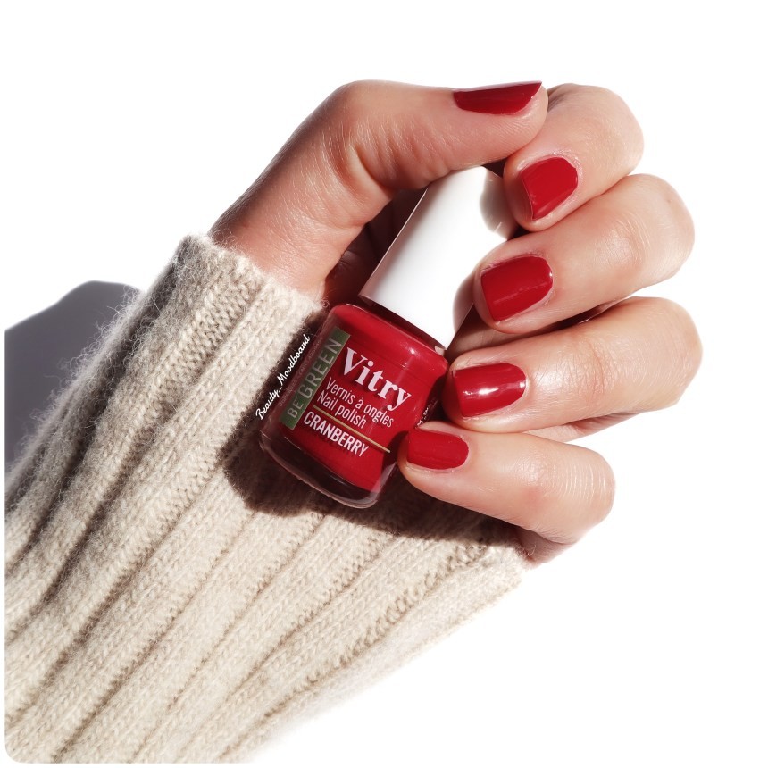 Swatch ongles couleur Cranberry vernis bio source