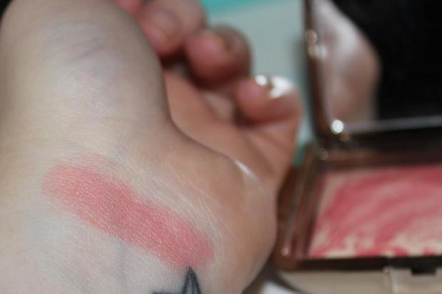 Hourglass Diffused Heat Swatch