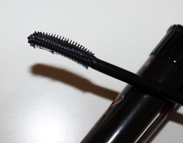 Roller Lash Wand Up Close