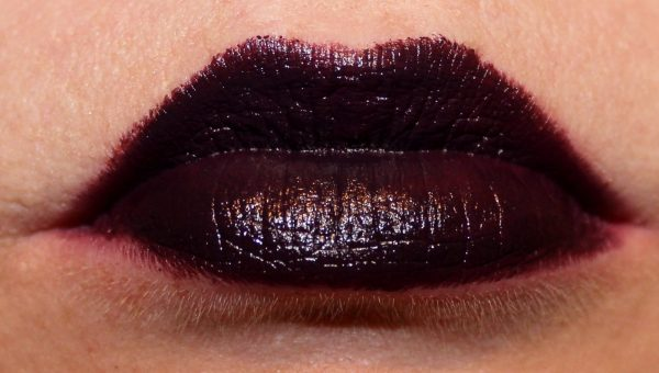 Wet n WIld Megalast Lipstick Vamp it up