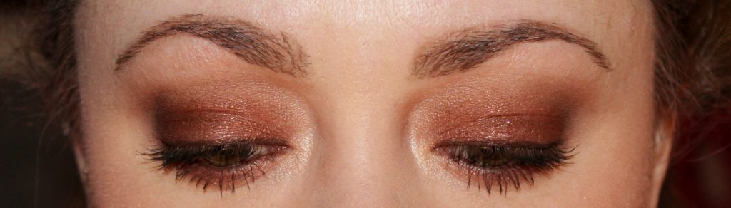 easy eye look using dolce vita palette