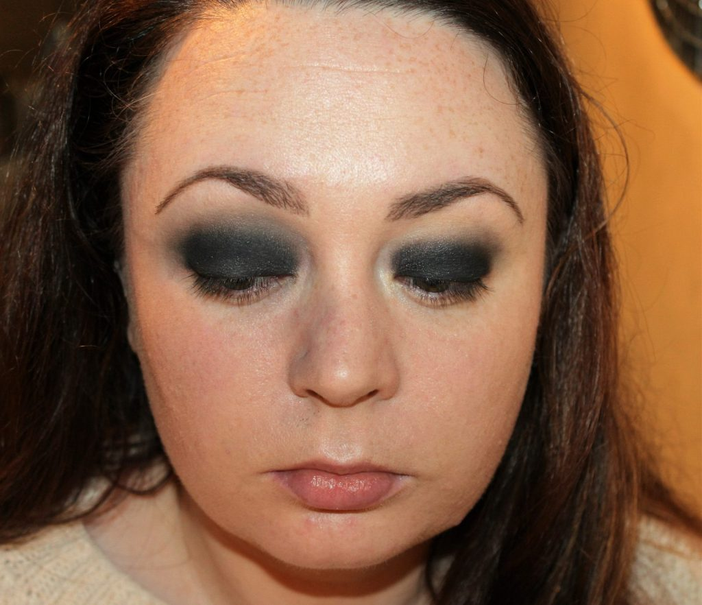 Smoky Eye Makeup Tutorial (15)