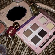 makeup and beauty blogger