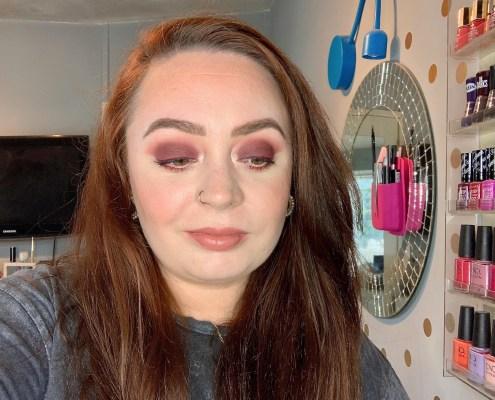 easy burgundy eye look