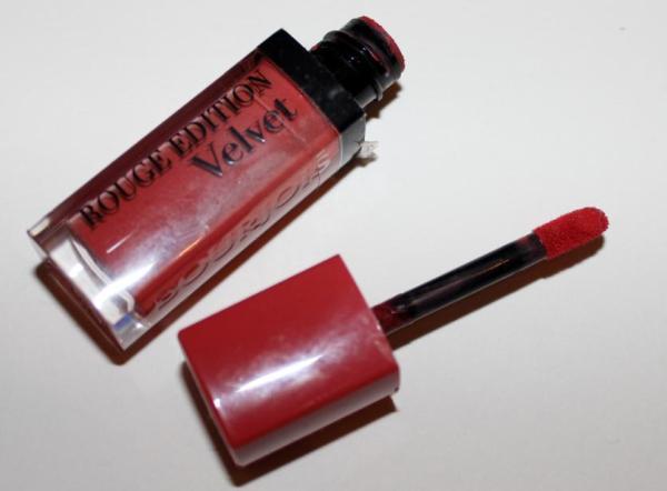 Bourjois Rouge Edition Velvet in 04 Peach Club