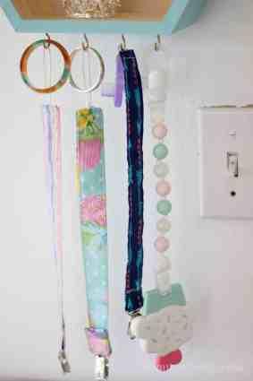 Elegant-Ombre-Herringbone-Nursery binky clips