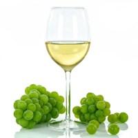 Drinki na bazie białego wina idealne na lato