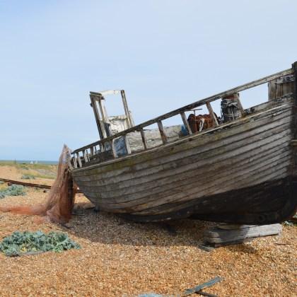 Shipwreck Lodge - nietypowe domki do wynajęcia w Namibii
