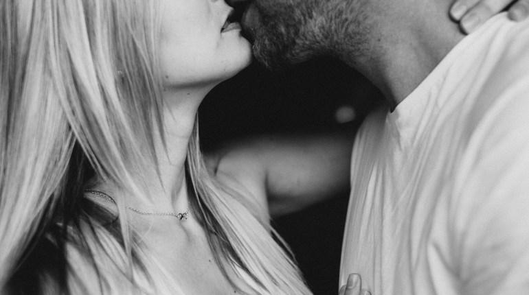 Filematologia, czyli nauka o pocałunku