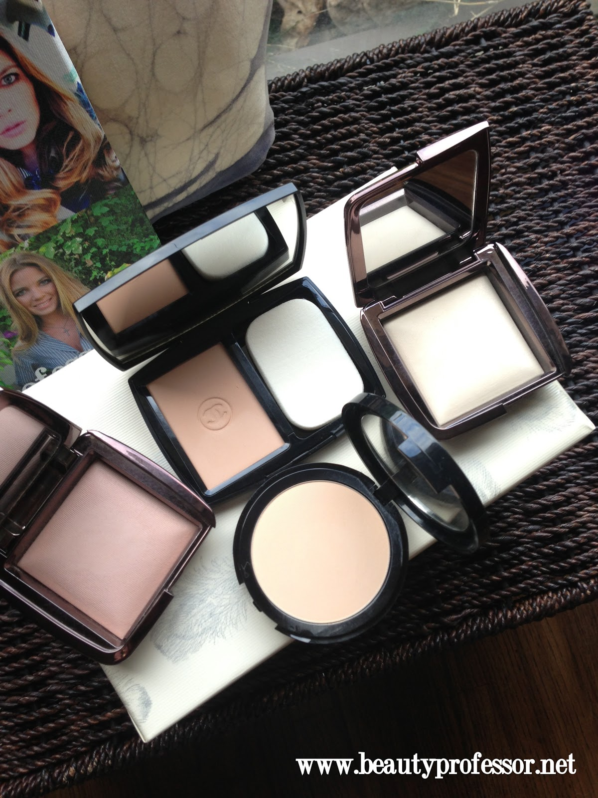 hourglass ambient lighting powder a