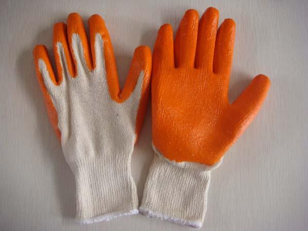 always use gloves in winter!