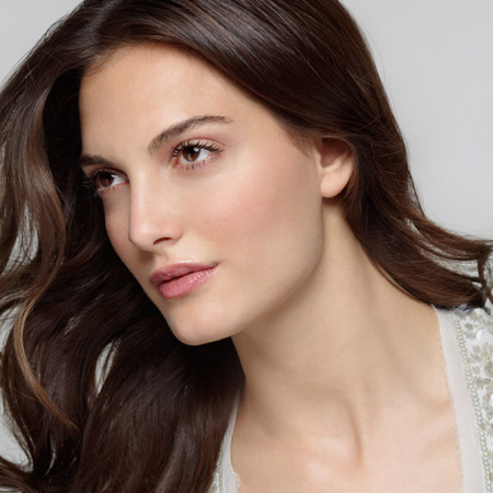 Look Younger With Perfect Hair And Makeup