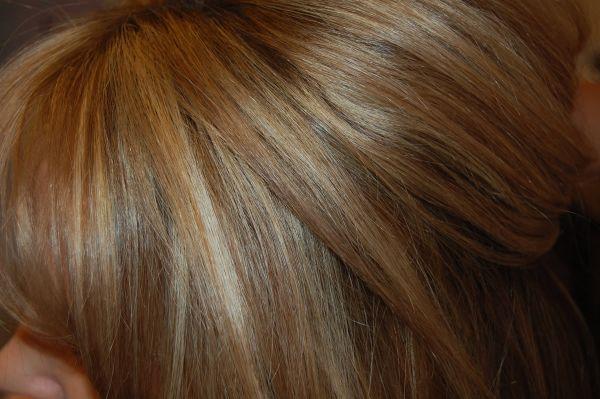 Multi tonal hair color