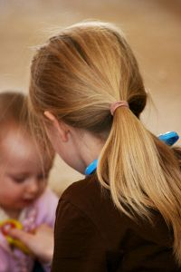 400px-Child_with_a_ponytail