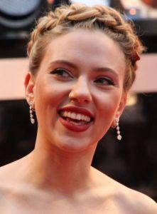 Scarlett_Johansson_3,_2012