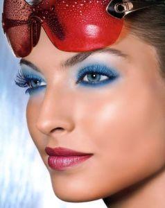 350x455xdior-blue-eyeshadow.jpg.pagespeed.ic.9Ke7uB0oG0