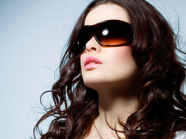 lady wearing sunglasses_2