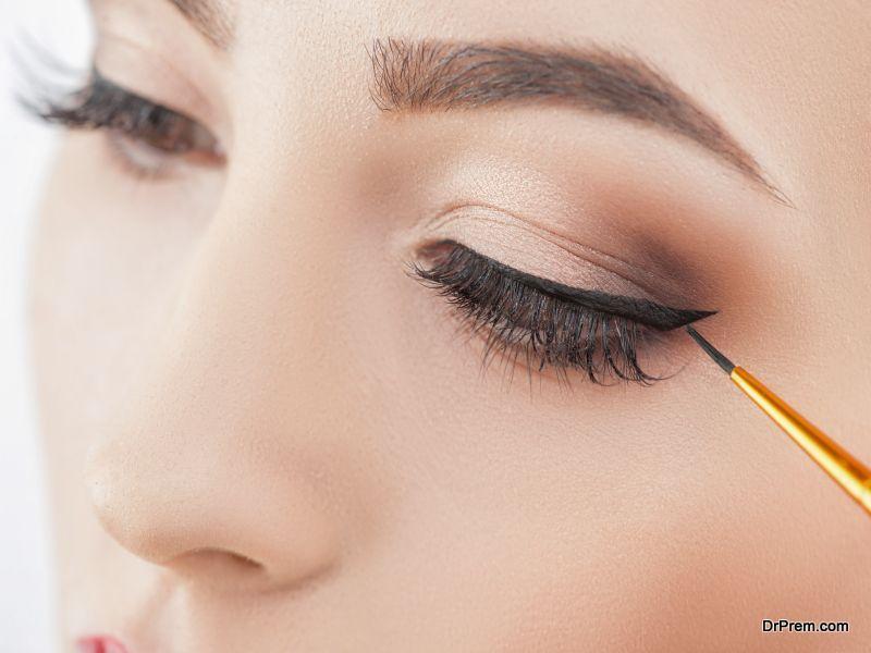 eye liner