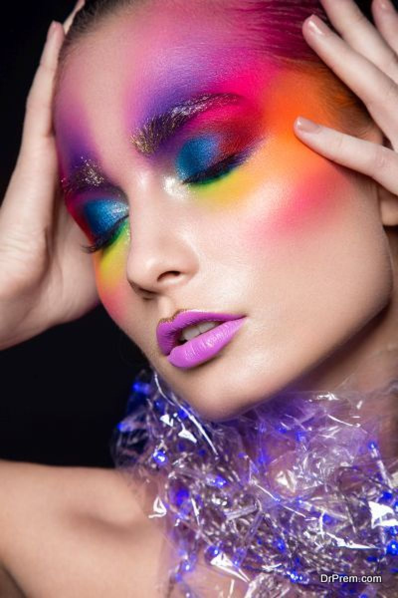 Holographic-makeup