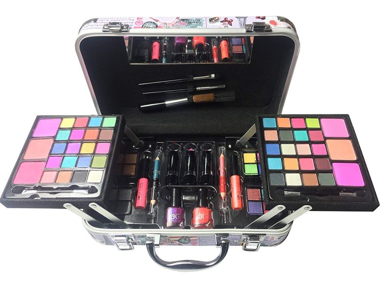 BR Carry All Trunk Professional Makeup Kit