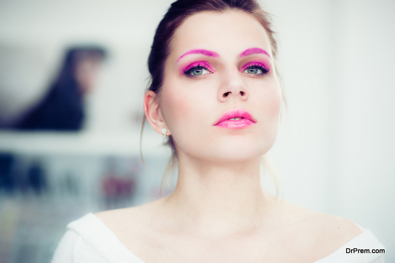 Apply full coverage pastel lip color