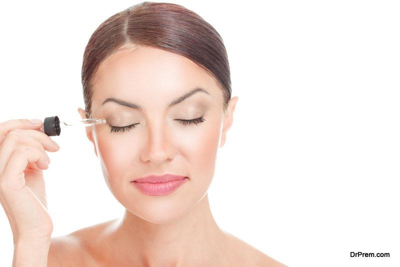 Nourish your eyelids