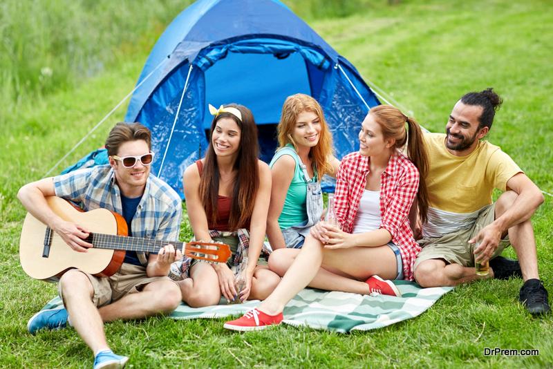 Summer-camp-fashion-ideas-for-grown-ups