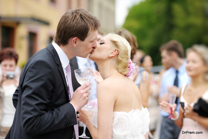 Plan a Small Wedding