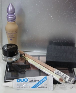 Eyes: Urban Decay Primer Potion, Viseart Eyeshadow Palette 1, Maybelline Eyestudio in Black, Nichido Eye Pencil in Nice Gal, Rimmel ScandalEyes in Nude, Benefit Brow Zings