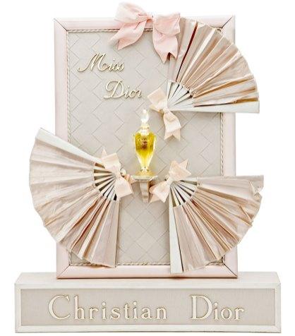 Il primo packaging di Miss Dior del 1947