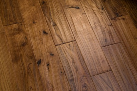 Majda-Bekkali-pavimento-legno