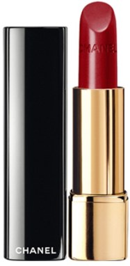 Eleonora-Pratelli-beauty-routine-chanel-red-lipstick
