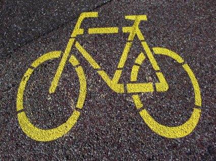 beauty-routine-massimo-monteforte-shutterstock_bicicletta