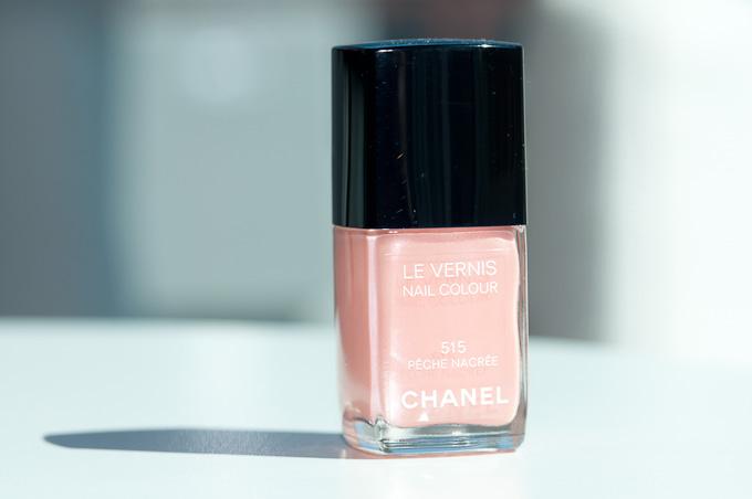 beauty-routine-laura-quaglia-Chanel-Nail-Polish