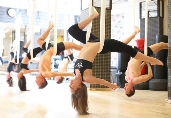 antigravity-yoga-chandelier-594