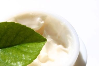 750x500-ehow-images-a06-i6-n3-make-organic-anti_aging-face-cream-800x800