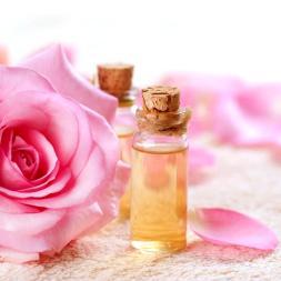 1_acqua_distillata_di_rose