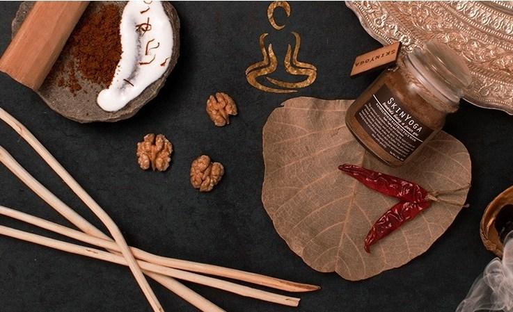 Sandalwood with walnut and saffron